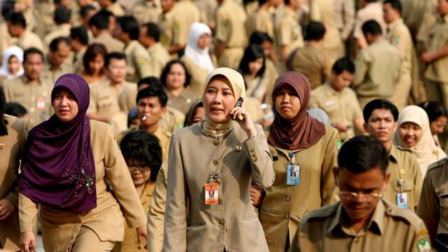 Model Baju Dinas PNS Wanita Berjilbab Terbaru