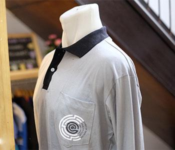 Desain-Baju-Keren-Kaos-Berkerah-Komunitas-English-Club