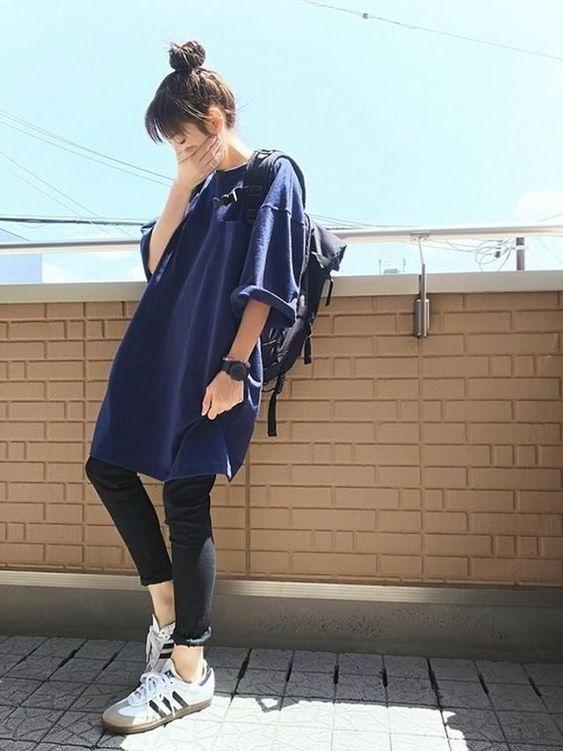 Kaos polos biru dongker model oversize
